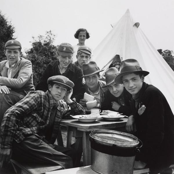 Untitled [Group of Basque and British Boys, Stoneham Camp, England] (1938 (negative))