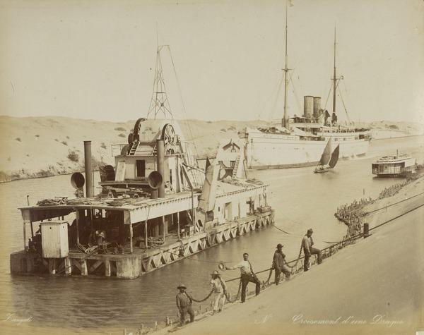 'Croisement d'une Drague'. Dredger on the Suez Canal.